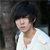 很帅气的最新韩版男头像挺有个性的韩版个性头像