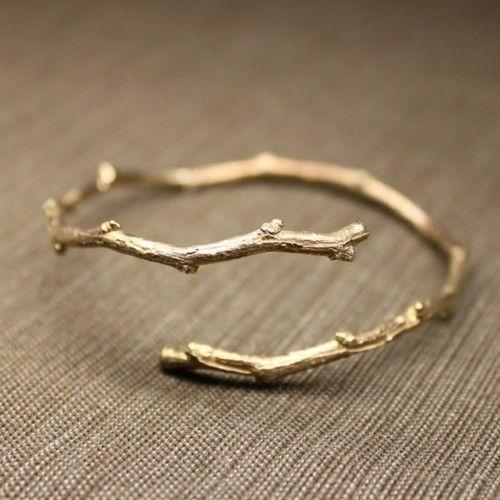 关于戒指的非主流好看的图片:一觉醒来什么都没有