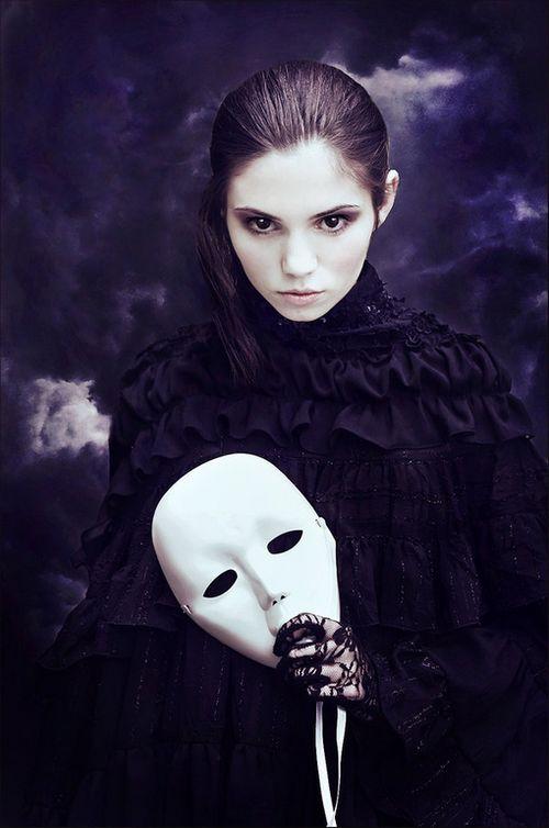 迷幻伤感的女生图片:无休止的等待,无休止的仰望 很非主流的风格