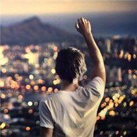 qq头像男生看天空,仰望天空思念你